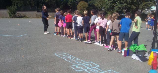 Cours de sport avec des étudiants de l'IFEPSA