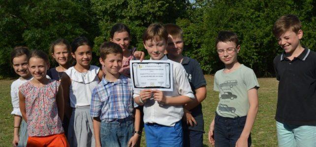 Joseph Lutz a reçu le Grand Prix du Concours jeunesse 2019 pour son recueil de poésies