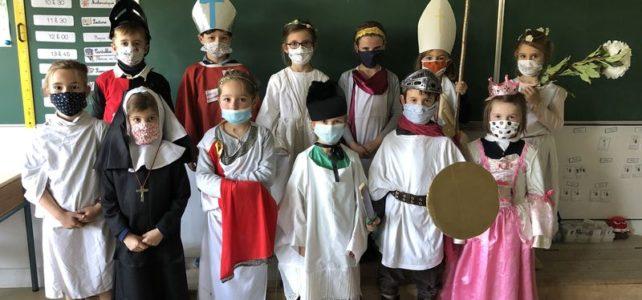 « La marche des Saints … masqués »